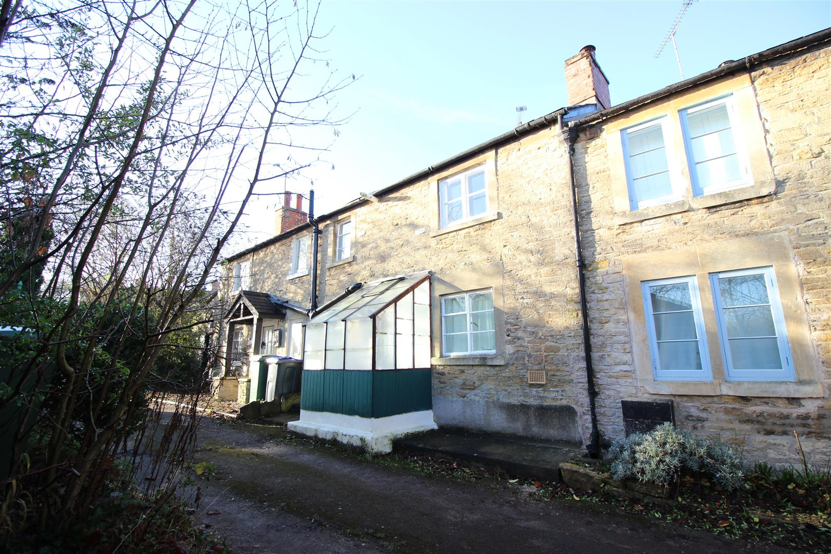 1 Bedroom Terraced House for sale in Bristol Road, Chippenham